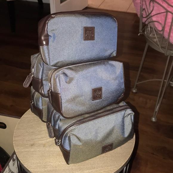 1424b3845294 First Men s Travel Kit